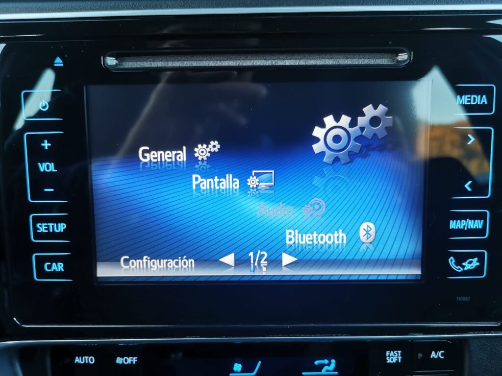 TOYOTA Auris 1.8 140H Hybrid Advance 5p. – Híbrido